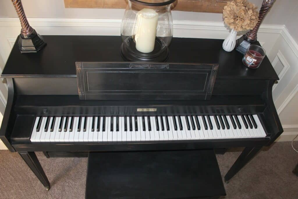 Piano Makeover black chalk paint clear wax