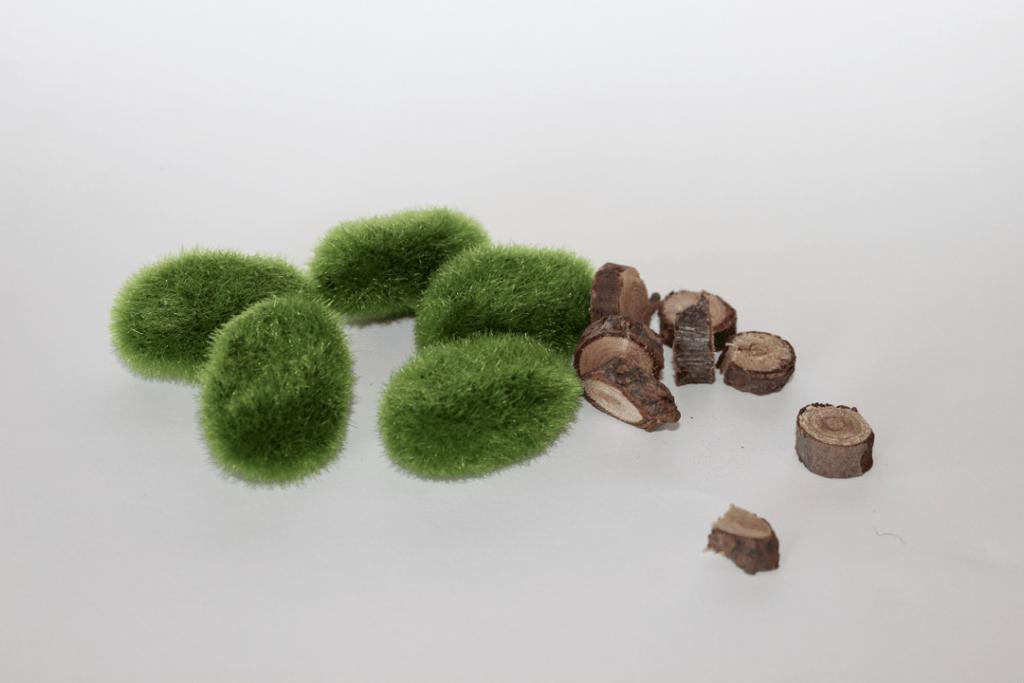 Fairy Garden grass and logs