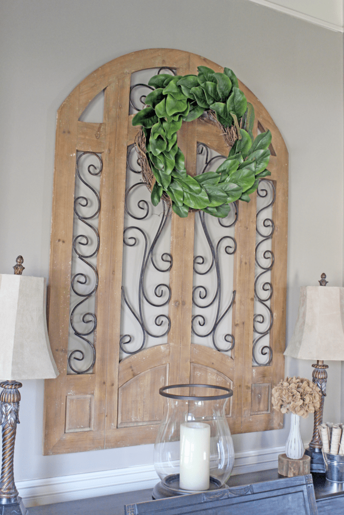 Magnolia wreath, simple and inexpensive magnolia wreath, tutorial on making a magnolia wreath, front door wreath, indoor wreath