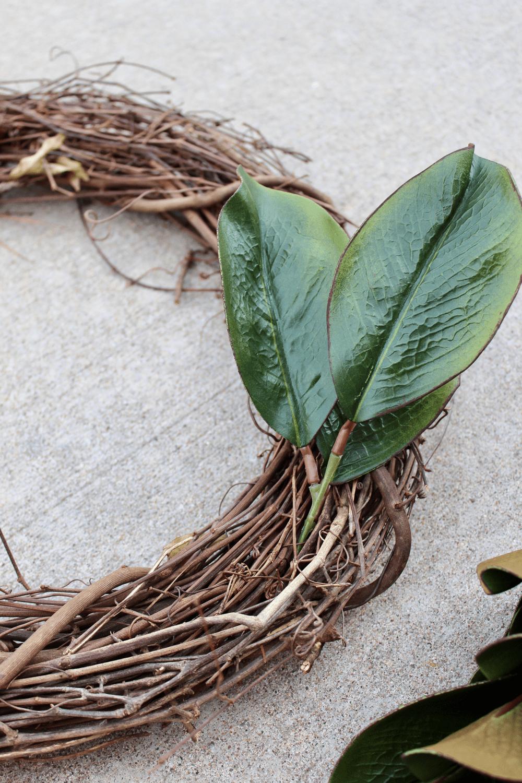 Magnolia Leaf Wreath: Magnolia Wreath DIY ⋆ Love Our Real Life