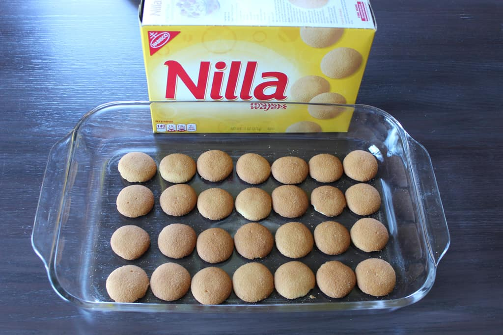 Line Nilla Wafers in dish