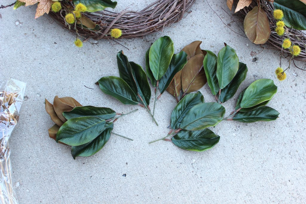 Fall wreath, Fall wreath with magnolia leaves, DIY fall wreath for the front door wreath with magnolia leaves