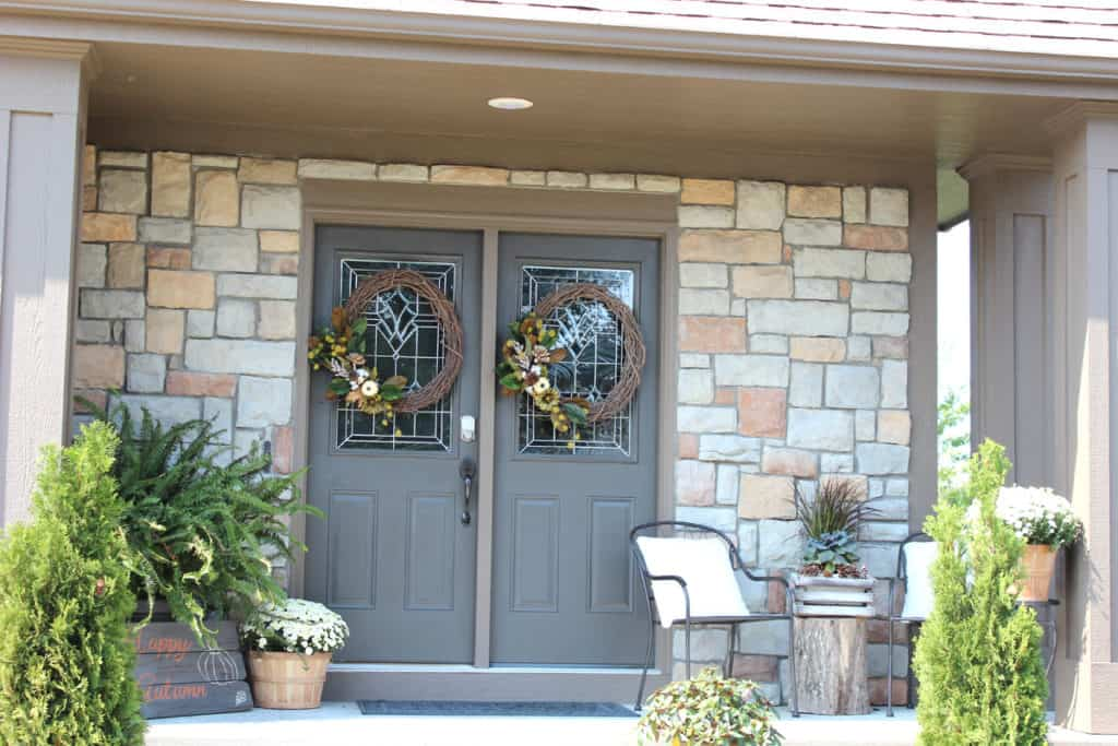 Decorating a front porch for fall, outdoor fall decor