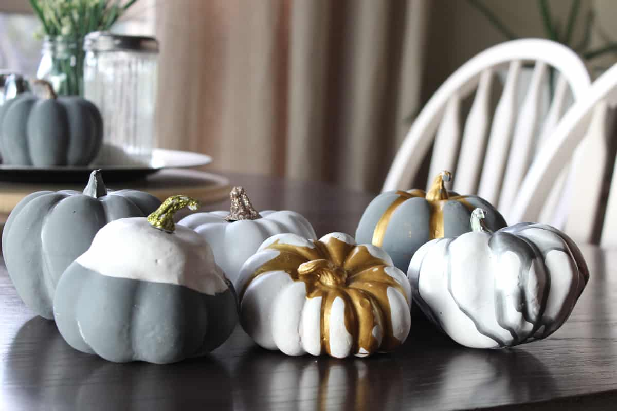 Pumpkin painting ideas: Spray painted pumpkins, metallic pumpkins