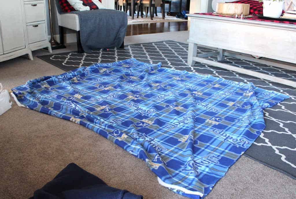 No Sew Fleece Blanket Tutorial Love Our Real Life