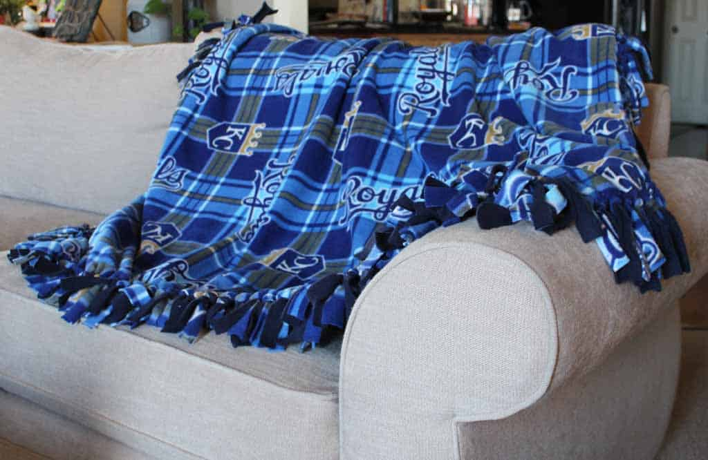 No sew KC Royals fleece blanket