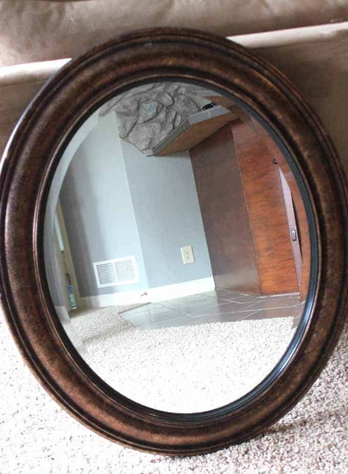 Update a mirror with chalk paint BEFORE image