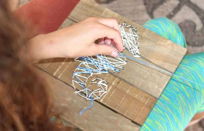 Using different colors of embroidery thread for string art