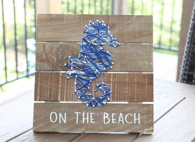 "Seahorse string horse ""on the beach""."