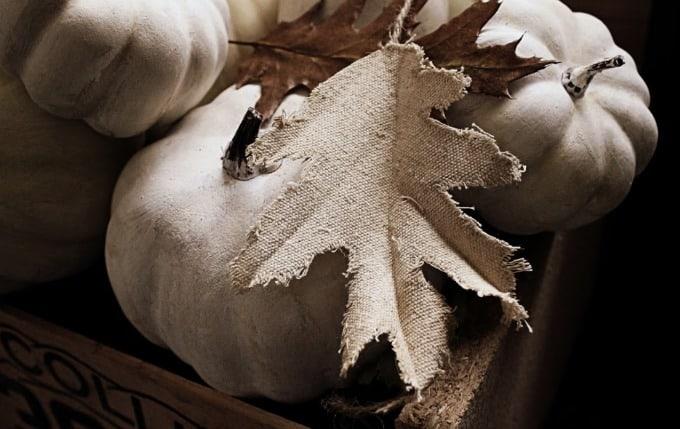 Fabric oak leaf garland