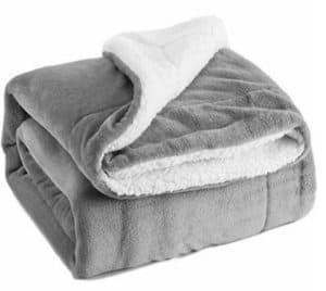BEDSURE Sherpa Fleece Blanket in gray