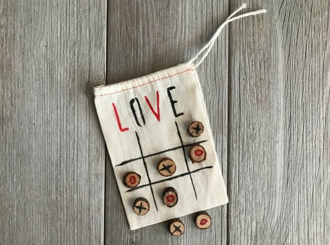 Muslin bags used as simple DIY Valentine Tic Tac Toe Bag
