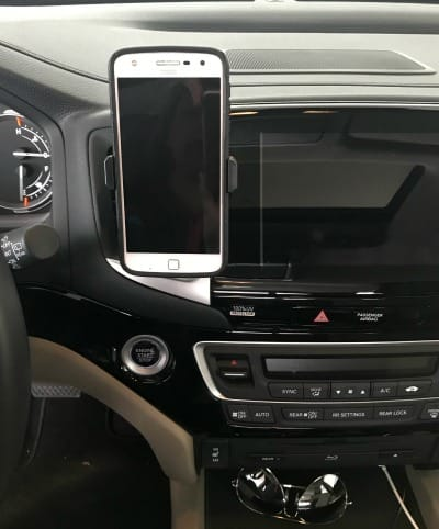 car organization ideas: Air vent cell phone holder