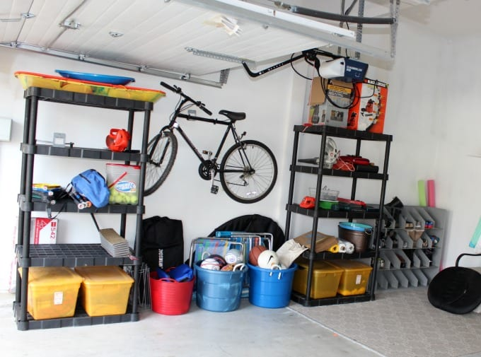 Keep winter preparedness kit in garage in easy to find location
