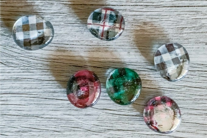 custom glass pebble magnets