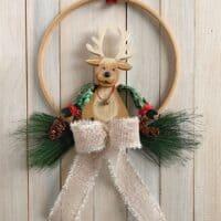 Easy DIY Embroidery Hoop Christmas Wreath