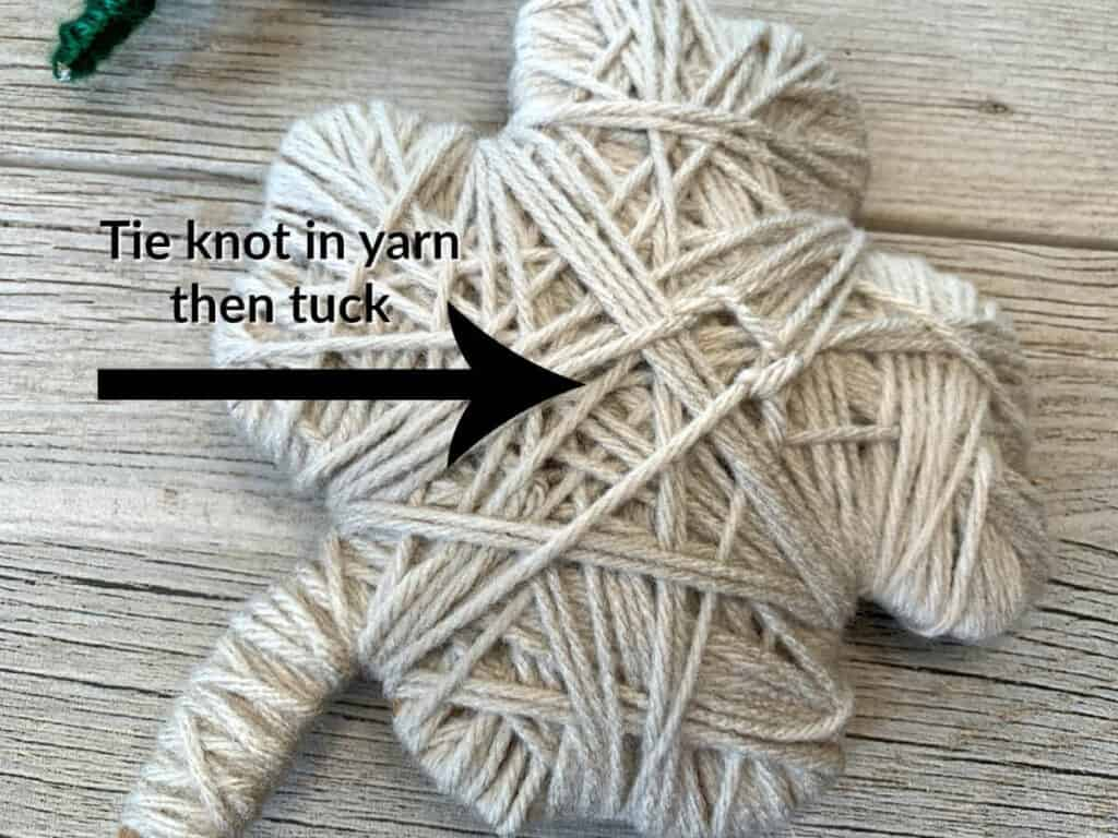 tuck knotted yarn